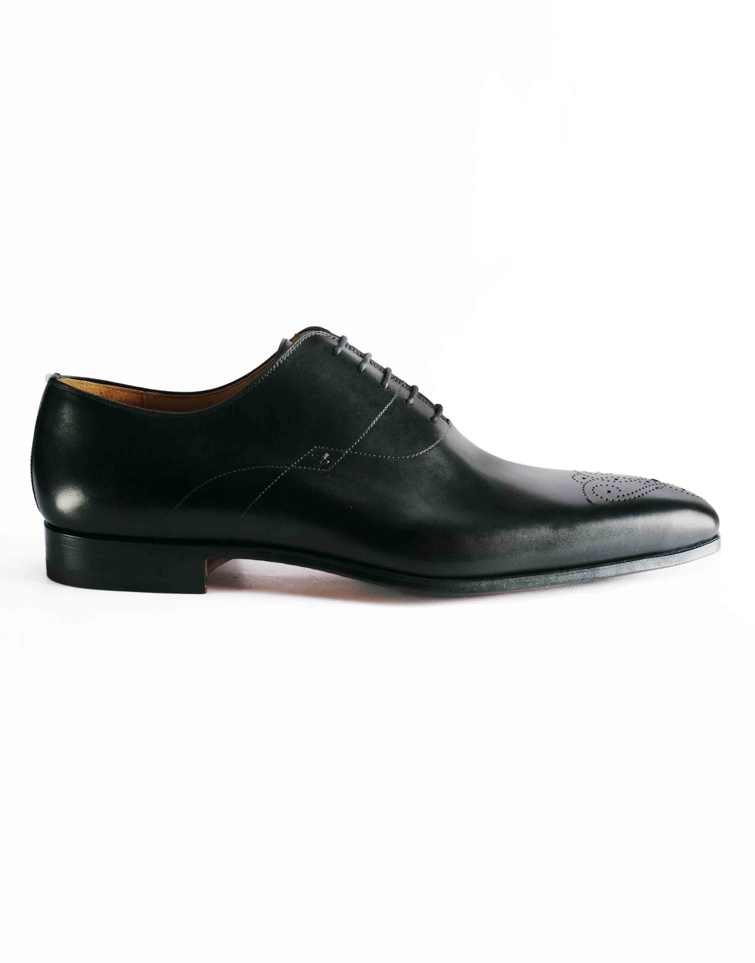 MEDALLION TOE WHOLECUT BLACK OXFORD1