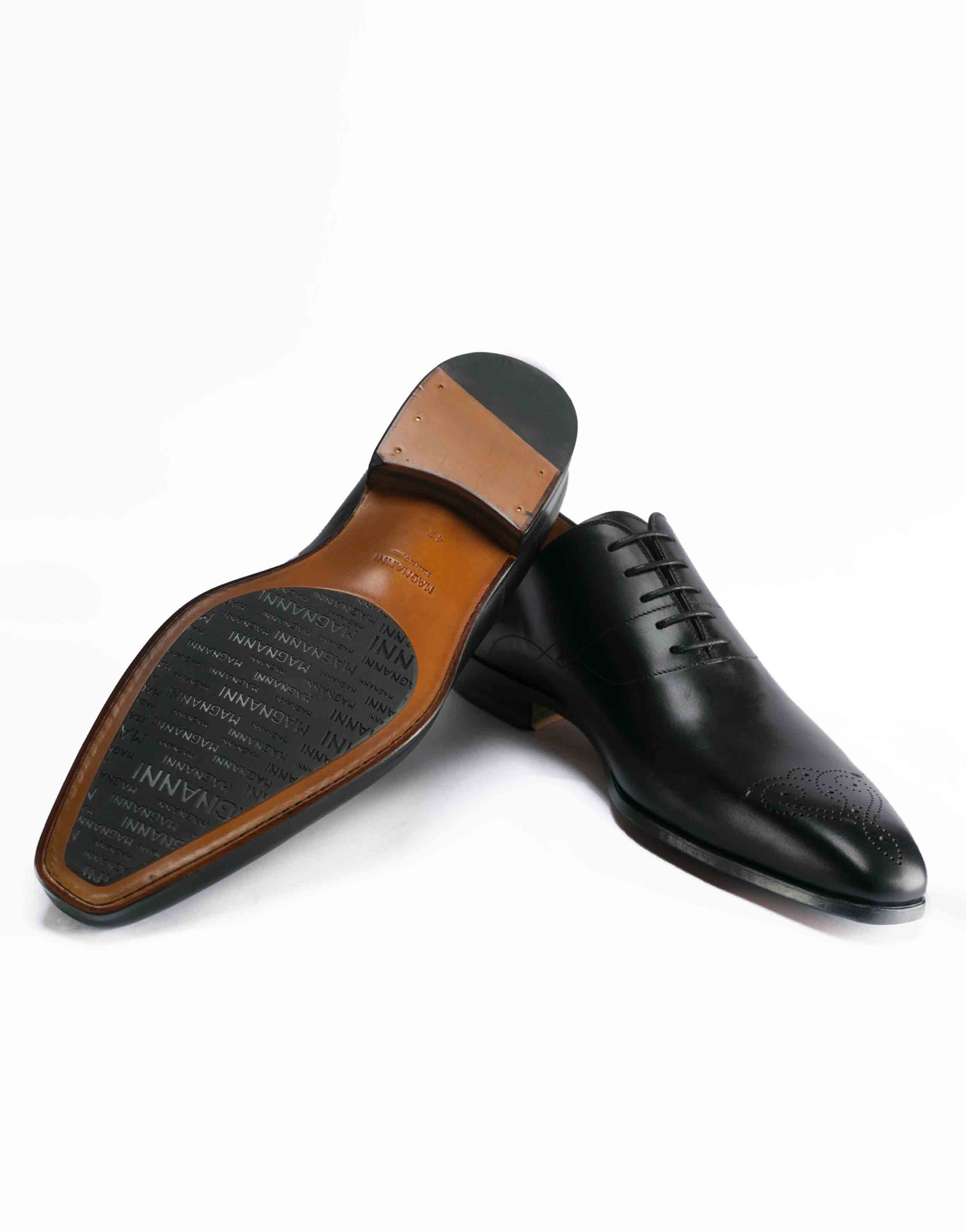 MEDALLION TOE WHOLECUT BLACK OXFORD3