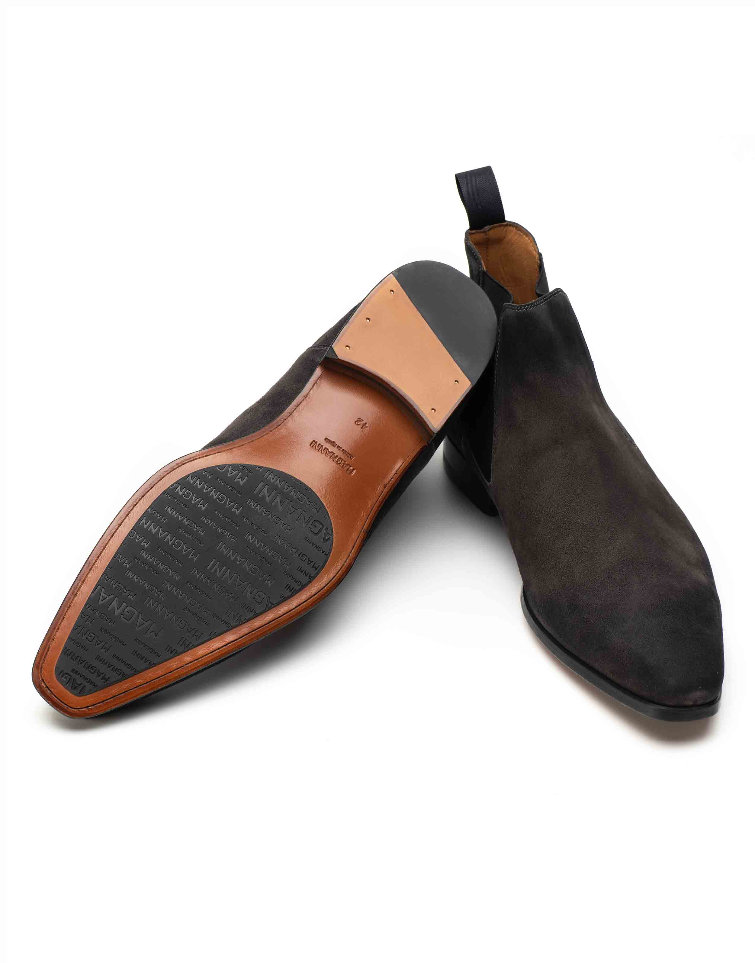 SUEDE CHELSEA BOOT3