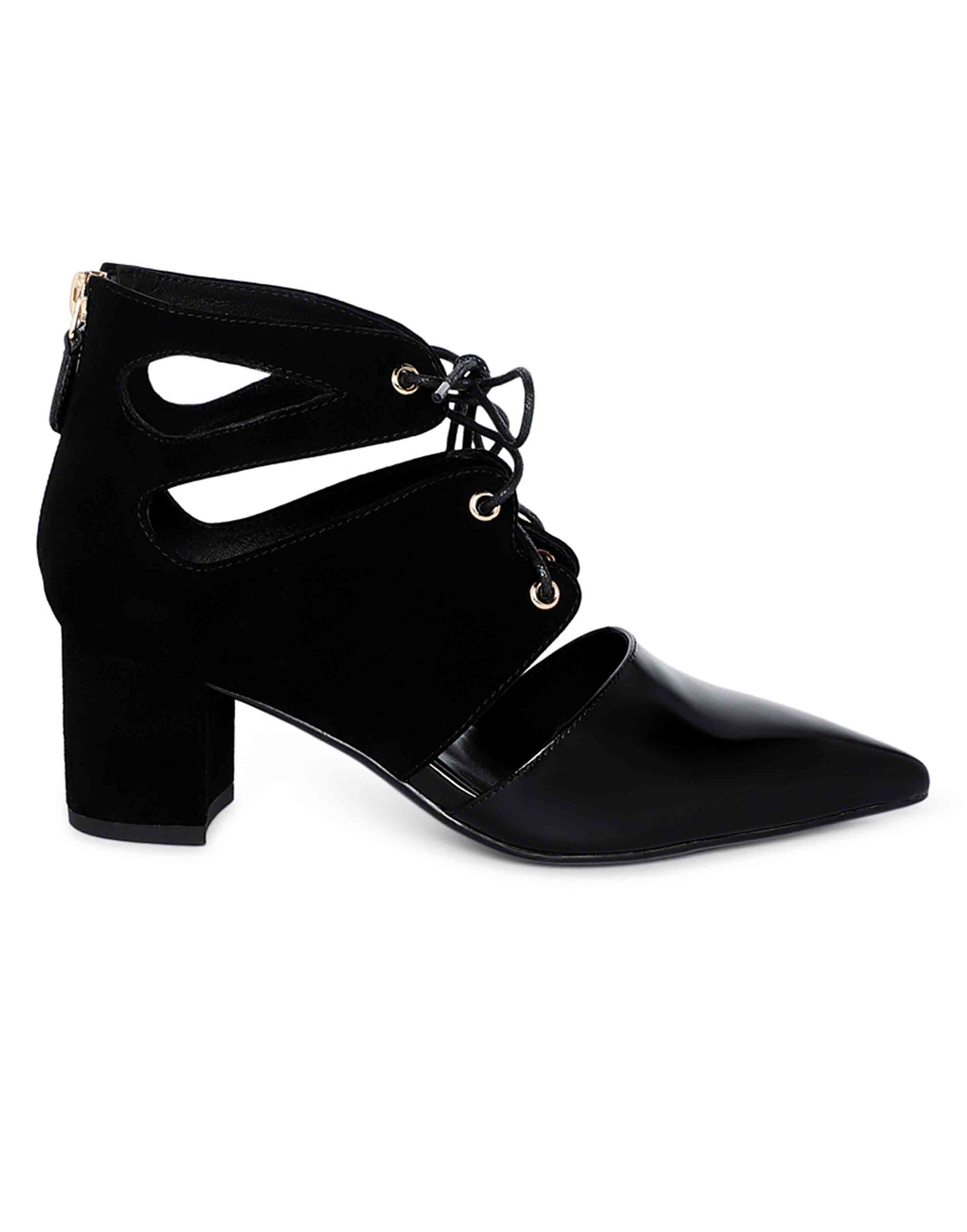 Cut-out Ankle Boots1