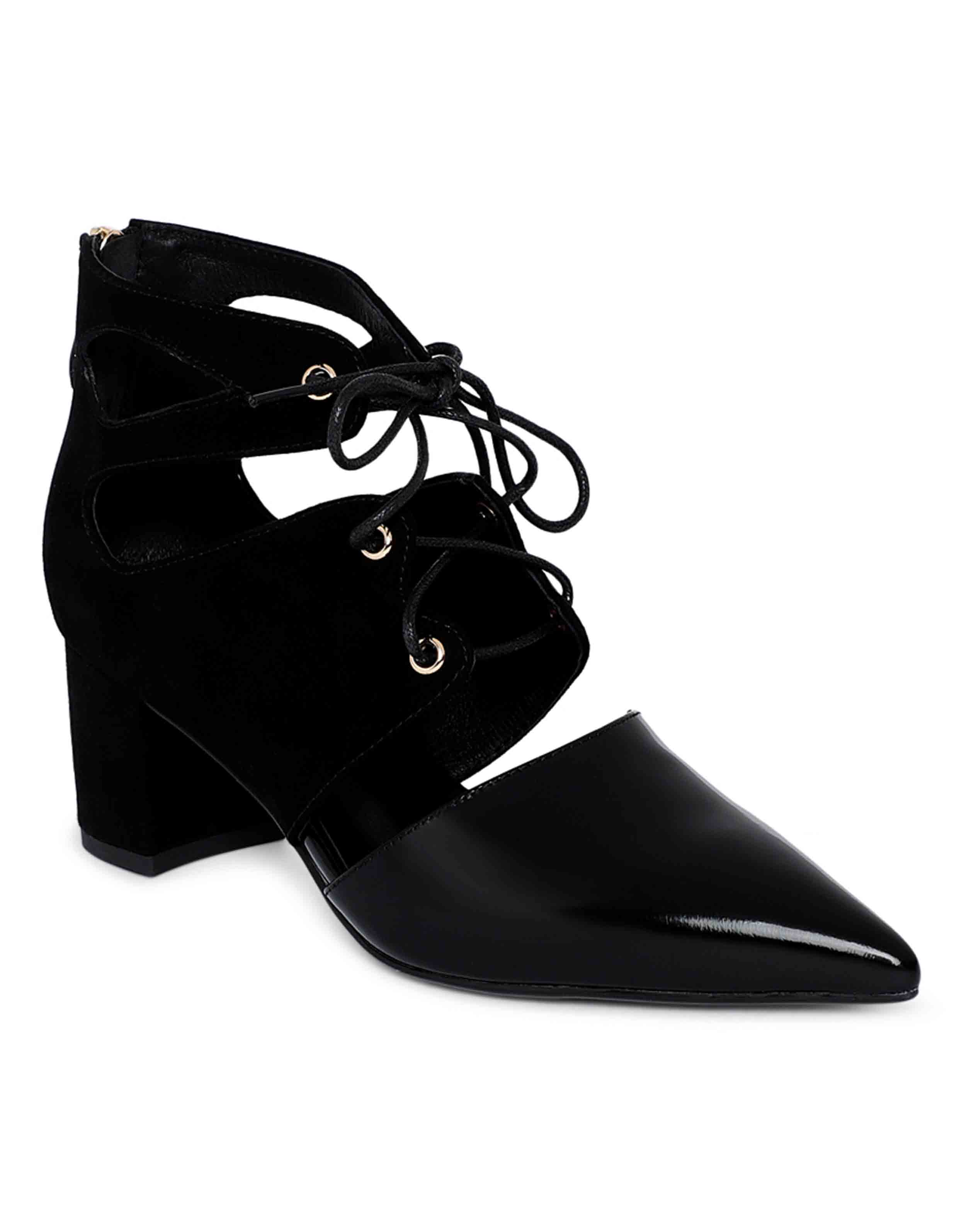 Cut-out Ankle Boots2