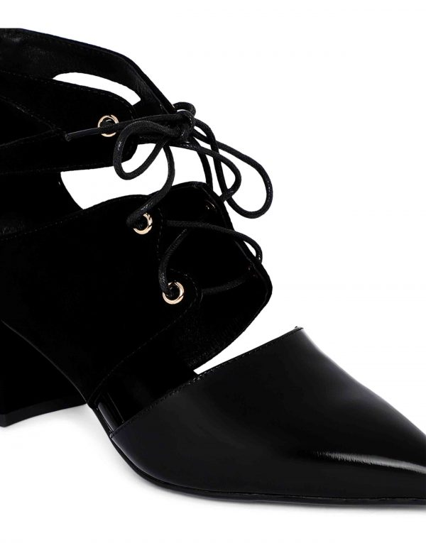 Cut-out Ankle Boots5