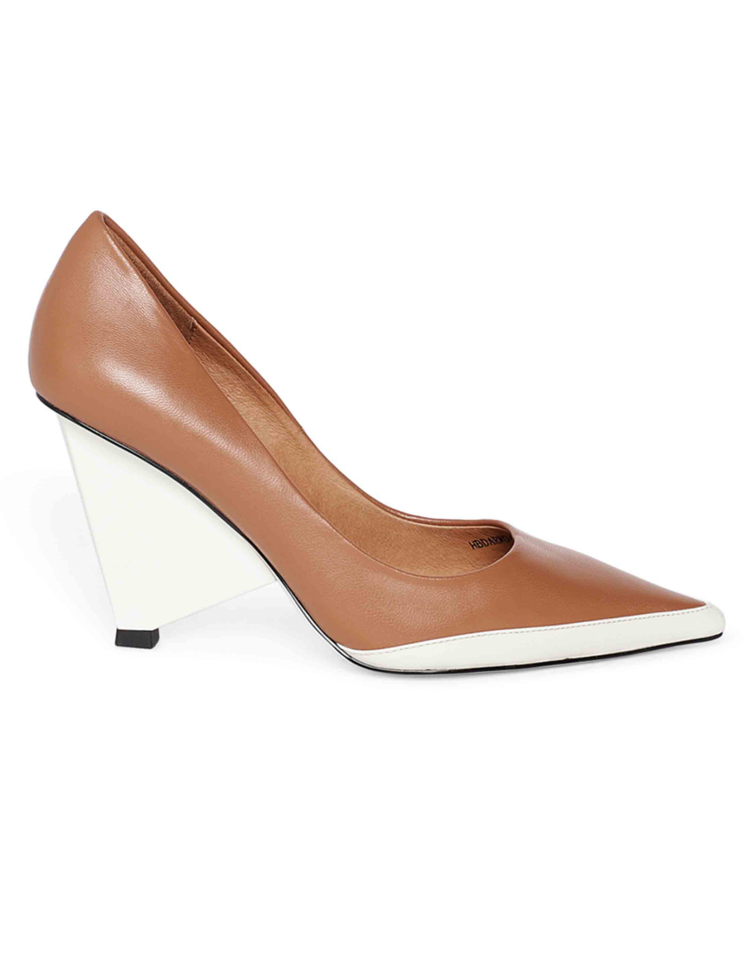 Triangular Pumps1